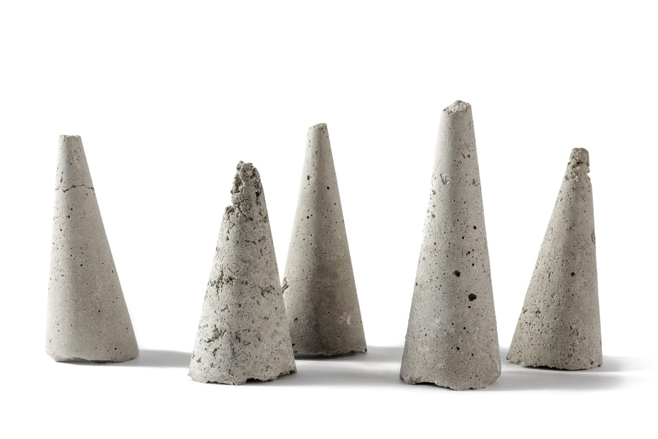 Untitled, ash cones, h 30 cm. 2008 - in progress (photo by Pier Luigi Dessì)